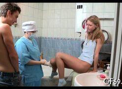 Medico comendo a paciente novinha safada