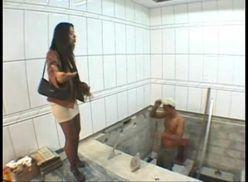 Mulher casada dando o cu para o pedreiro