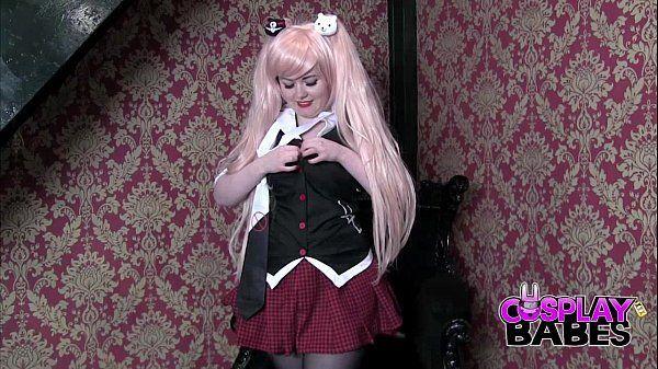 Novinha cosplay caiu na net pelada