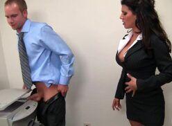 Secretária pegou colega de trabalho tirando xerox da rola e deu para ele